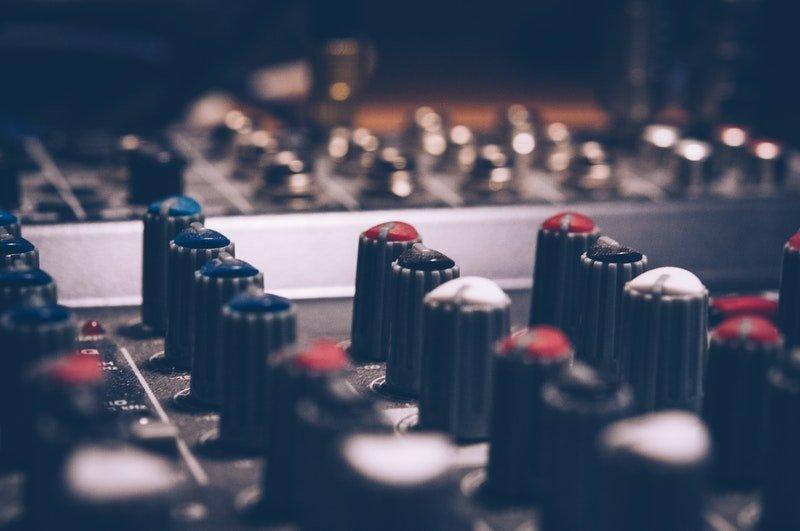 Mix i mastering. Co musisz wiedzieć?